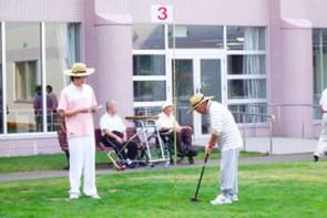 お天気の良い日は、パークゴルフも